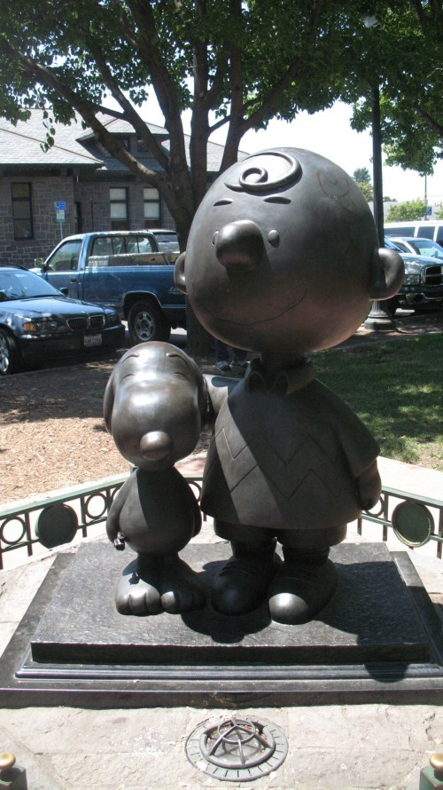 Achieve a Dream and Other Depressing Thoughts: Charlie Brown and Snoopy statue