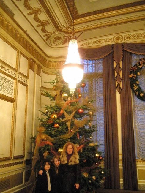 Crystal Tree at the Benson when the Country Mouse Visits the City for Christmas in the Northwest Wine Country