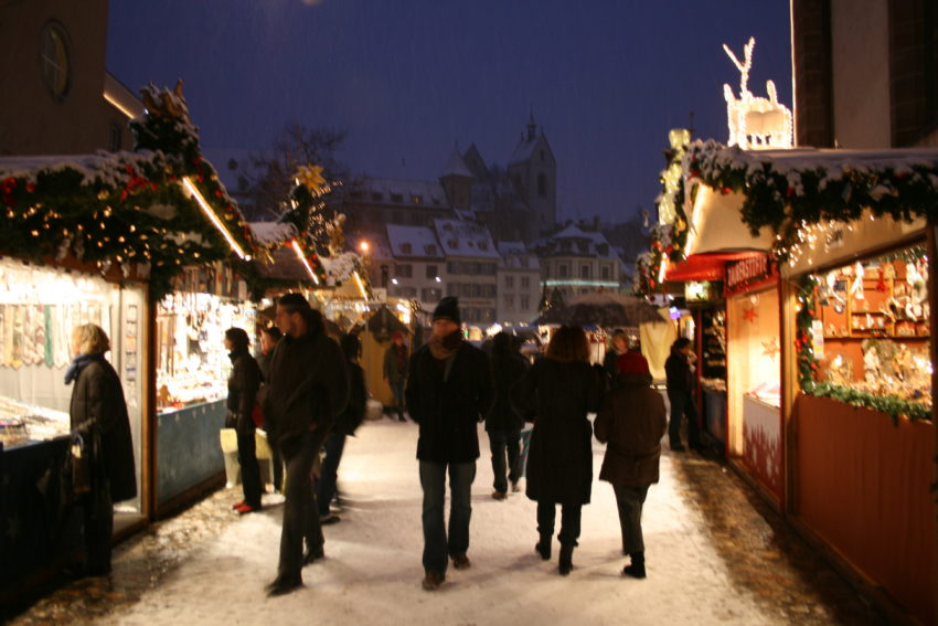Holiday Travel Dreams: Top 8 Christmas Markets in Europe - The British Isles