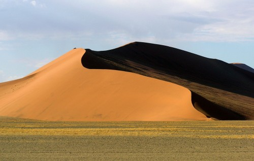 Red-Dunes-at-Sesriem-Namibia-Africa-dream-travel
