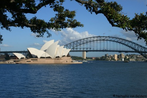 World Travel Dreams: Sydney Opera House and Harbour Bridge Australia