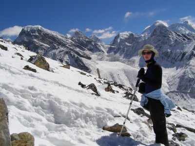 Pack for round the world trip: Wearing my travel sunhat even in the mountains of the Nepal Himalaya