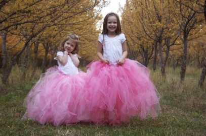 Girls in pink tutus