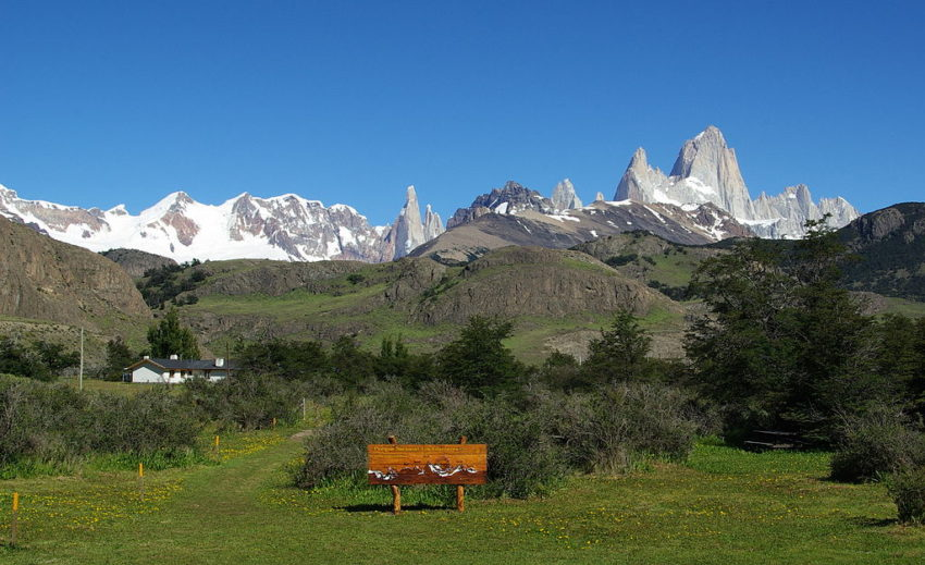 8 Top Travel Gratitude Retreats: El Chalten Park Entrance Pategonia